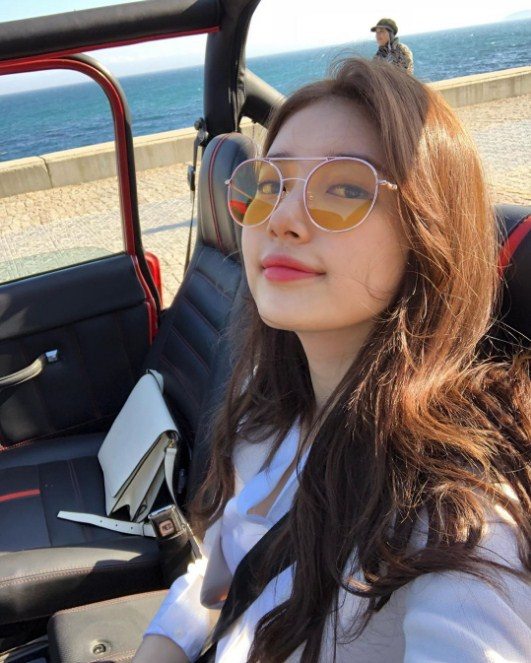 "Foto Selfie Bae Suzy Di Lokasi Syuting Drama ""Vagabond"" Menjadi Bahan Perbincangan Kocak Para Fans"
